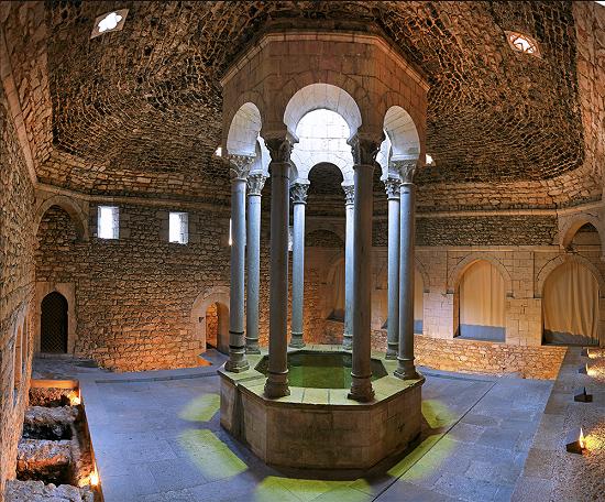 Baños Arabes Que Son:los baños tienen la estructura típica de los baños termales