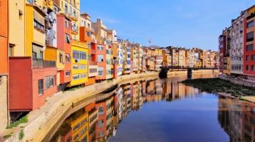 Les Cases Penjades de Girona: Vistes màgiques sobre el riu Onyar